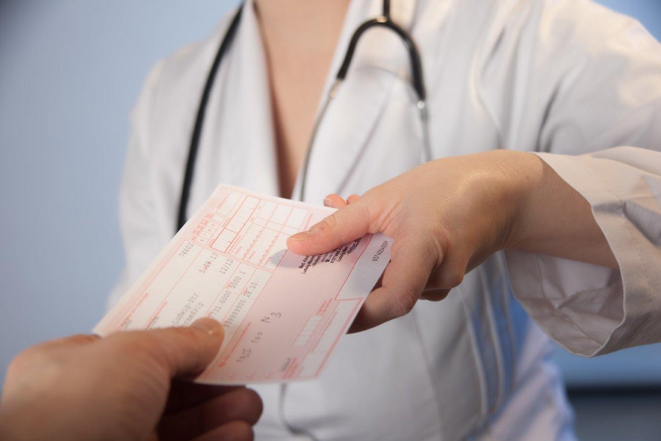 Farmacie: fattura esente IVA per cessione di beni anti Covid-19