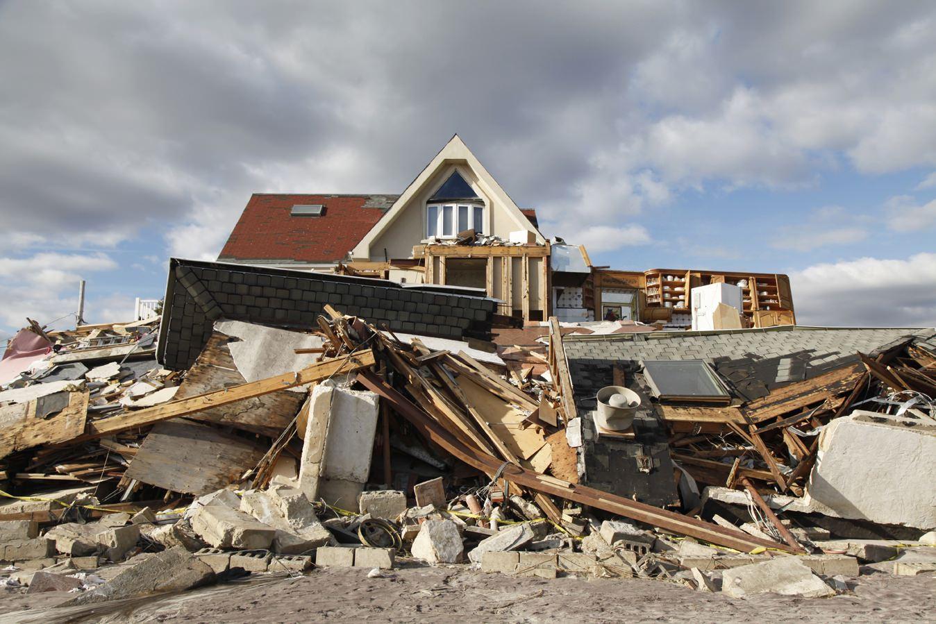 Calamità naturali, chi deve intervenire?