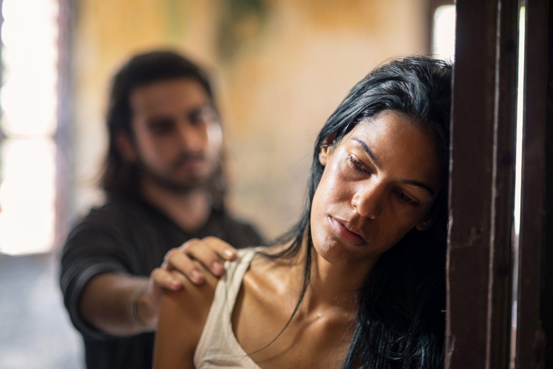 Violenza sessuale domestica: realtà o finzione?