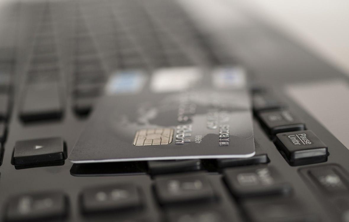 Carte di credito e costi aggiuntivi: è legittimo?