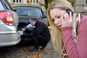 Bloccare la strada ad un auto è violenza privata?