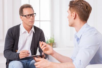 Psicoterapeuta o Counselor? Quale figura scegliere