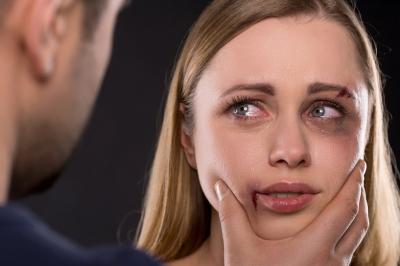 Violenza di genere sulle donne, congedo e indennizzo Inps