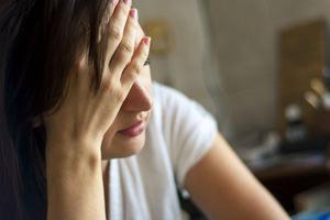 Depressione, come combatterla con l'approccio olistico