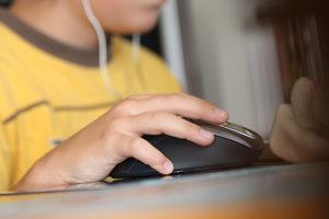 Sesso online: tutela dei minori (e non solo) nell'utilizzo dei social