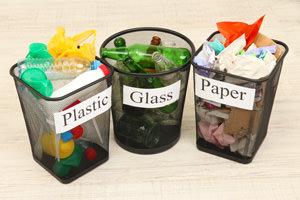Oggetti monouso: al bando molti articoli in plastica
